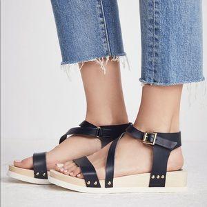 Free People Strappy Leather Flatform Sandal - 41
